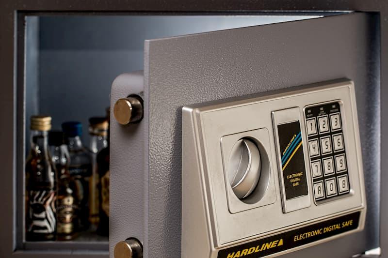 como abrir una caja fuerte de tombola, como abrir una caja fuerte con combinacion, como abrir caja fuerte arfe modelo-68,
