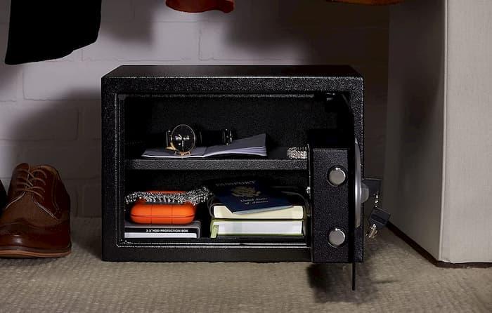 como abrir una caja fuerte digital sin pilas y sin llave